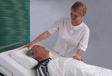 Применение ортопедического противопролежневого матраса значительно облегчает уход за больным